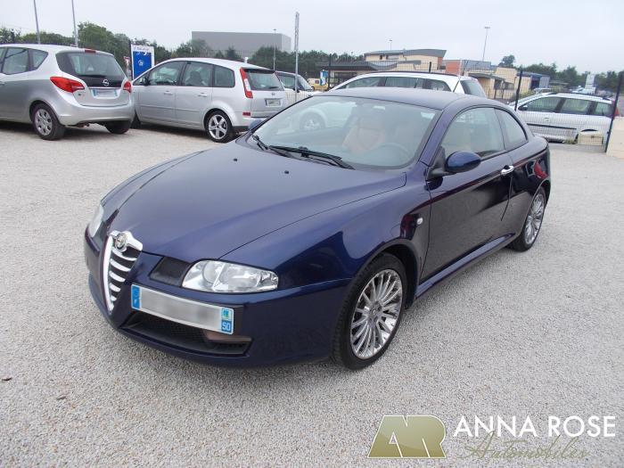 Alfa Romeo GT 1.9 JTD 150 CH - Anna Rose Automobiles